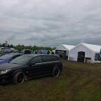 Geniale Aktion von Opel mit erfundenem Tauben-Luftangriff auf VW GTi Treffen!
